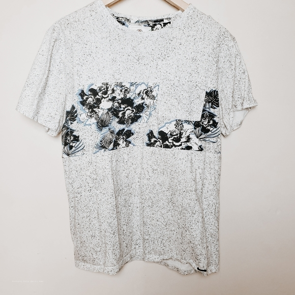 PacSun Other - On the byas Hawaiian style tshirt